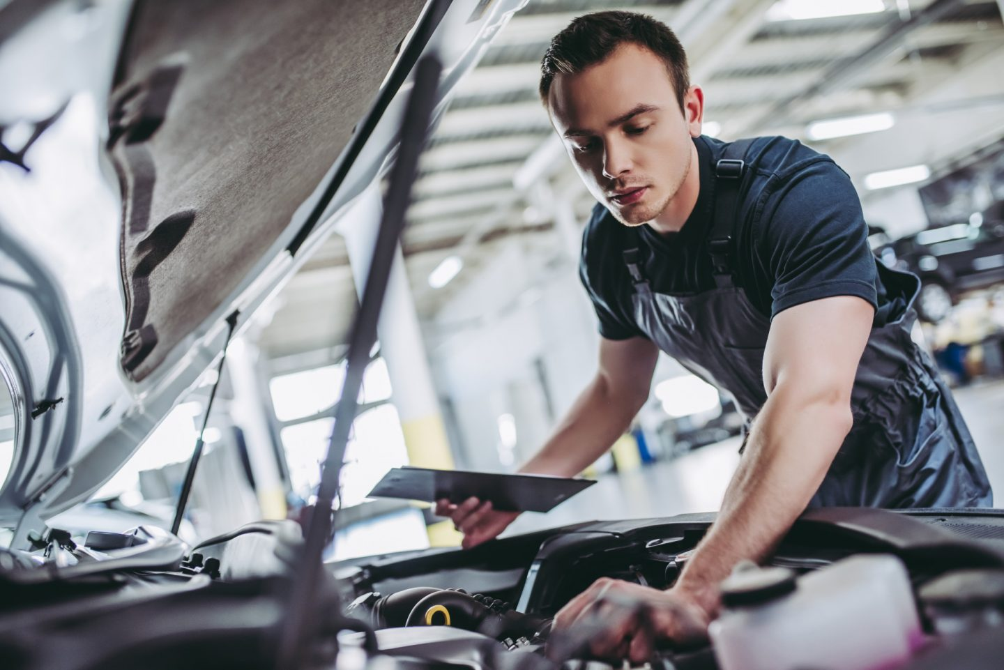 4 Signs Your Car Needs Transmission Repair